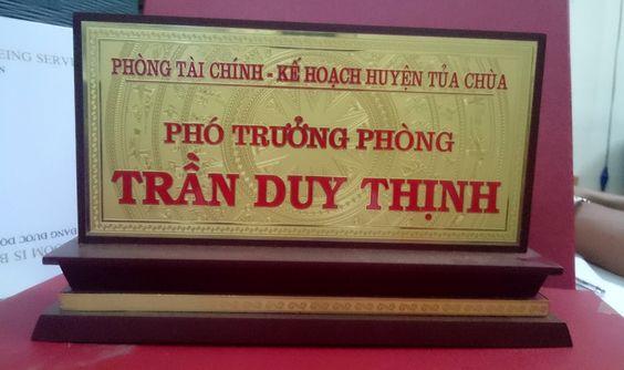 biển chức danh ăn mòn đồng 2 mặt phòng tài chính, kế hoạch huyện Tửa Chùa