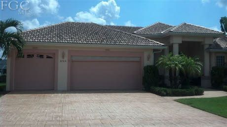 Beautiful Savona Home! Fall in love with this lovely 4 bedroom, 3 bath home featuring spectacular curb appeal and spacious interior. Enjoy a heated pool, spa, private dock and lifts. This home is perfect for entertaining! http://brendacole.com/listings/3703-se-18th-ave-cape-coral-fl/