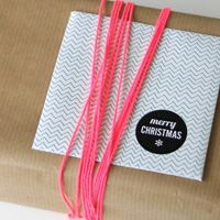 DO IT YOURSELF ENVELOPE Grünstreifen wünscht einen super 2. Advent. Um den Liebsten zur Weihnachtszeit ein paar liebe Worte zu hinterlassen, gibt es heute Umschlag und Karte zum selber basteln. Auf unserem Blog könnt ihr den Bastelbogen herunterladen.  http://www.gruenstreifen-design.de/Blog
