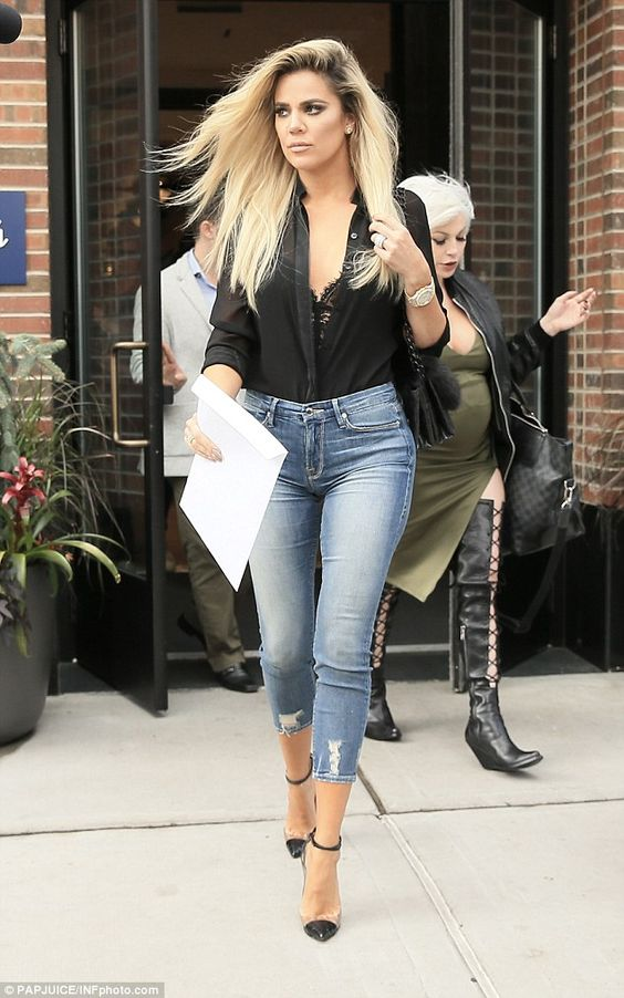 Khloe Kardashian flashes wedding finger band after dating NBA beau Tristan Thompson   Daily Mail Online