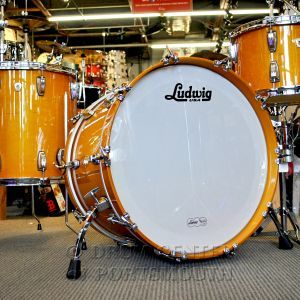 Custom made in the USA, 22x14 kick with Curved Spurs, 13x9 rack tom, 16x16 floor tom with Classic Legs/Brackets. All drums feature the 7 ply maple shells, classic lugs, Monroe Keystone badges, and the new Ringo-on-the-rooftop-inspired Golden Slumbers finish! The auction is for the drums only. Stands and mounts are not included. Drums will ship in original Ludwig boxes.
