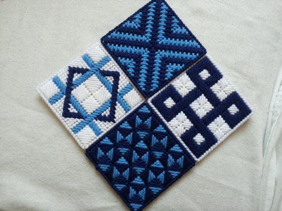 juego de 4 posavasos de lona plástica en azul por knittstergirl426
