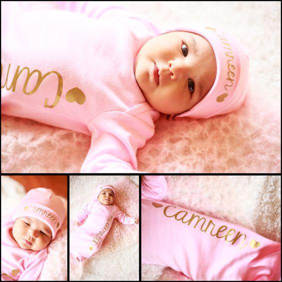 Robe de fille de nouveau-né personnalisé... par TheNewBabyBoutique