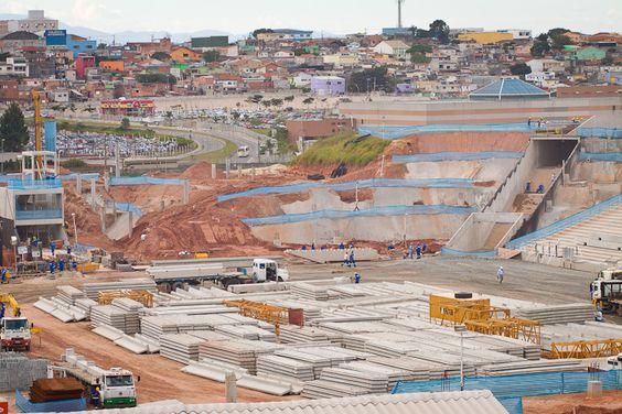 Especulação imobiliária contribui para expulsões ligadas à Copa do Mundo