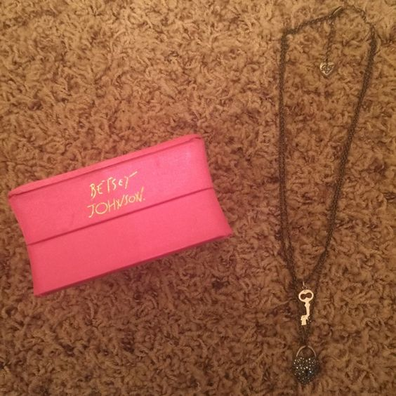 Betsey Johnson layered necklace Cute layered necklace like new condition with box Betsey Johnson Accessories