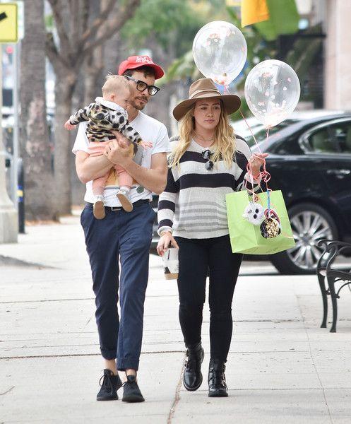Hilary Duff Photos Photos Hilary Duff Is Seen Out With Her Family Hilary Duff Hilary Duff Style Fall Winter Capsule Wardrobe