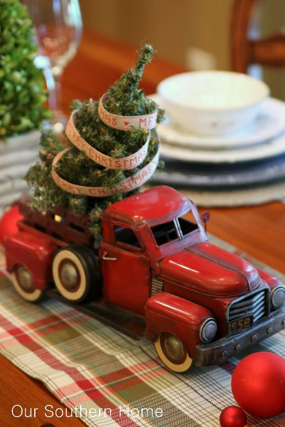 Our Southern Home | Christmas Decorating with Cars | http://www.oursouthernhomesc.com: