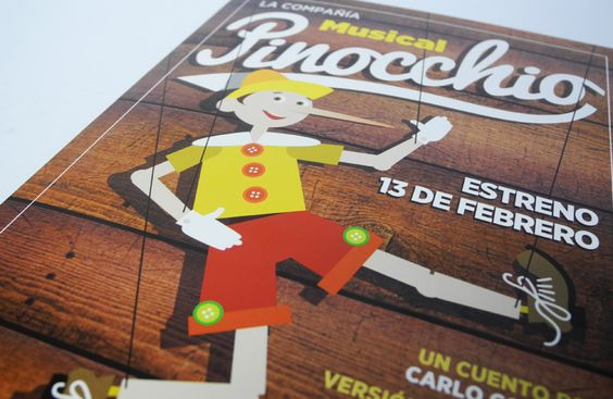Diseño y realización del folleto del musical Pinocchio, producción del servicio de Actividades Culturales de la Universidad de Navarra - Calle Mayor Comunicación y Publicidad