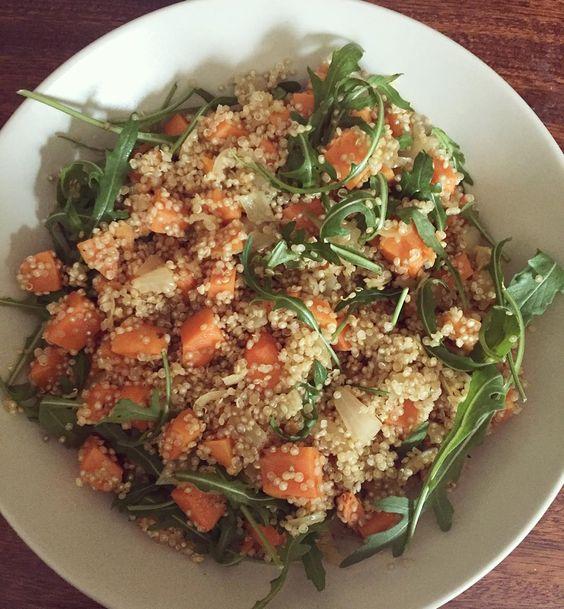 Salade de quinoa et patate douce au gingembre roquette oignons et huile de sésame   #veganlunch #veganfood #veganfoodshare #govegan #sweetpotato #sweetpotatoes #quinoasalad #quinoa #ginger #roquette #vegansalad #veganlifestyle #veganlife #whatveganseat #plantbaseddiet #plantbasedfood #glutenfreevegan #glutenfreefood #healthysalad #healthymeals #crueltyfree #eatyourveggies by vegagathe