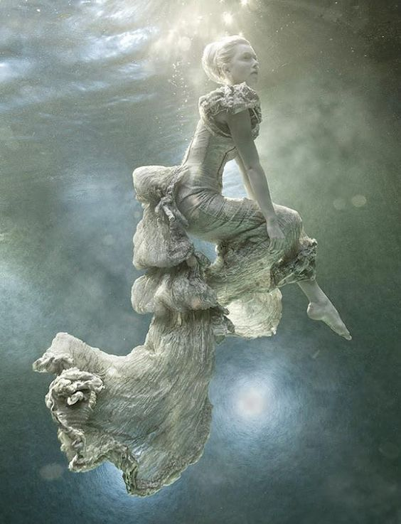 Photog Zena Holloway