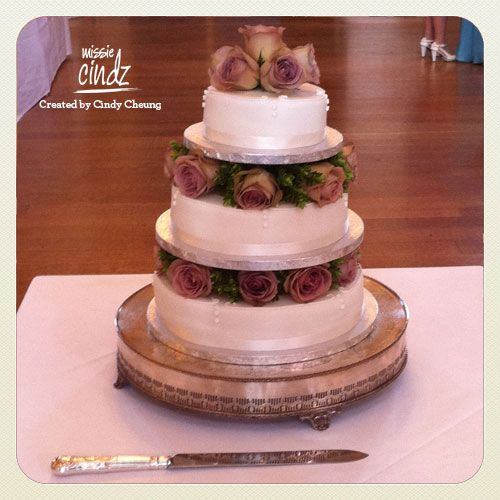 Traditional English three tiered wedding cake.