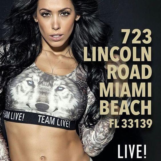 É hoje! Quem vem?!? Espero vocês de 21-23h na inauguração da primeira loja da @liveoficial em Miami!!!! Vamos tirar muitas fotos juntos! Veeeeeeem! #TeamLive #LiveUSA  _________________  Hello Miami! It's tonight! Yay! I'm waiting for you guys from 9-11 pm to celebrate the first @liveoficial store in the USA!!!! Let's take a bunch of pics and have fun together  by bellafalconi