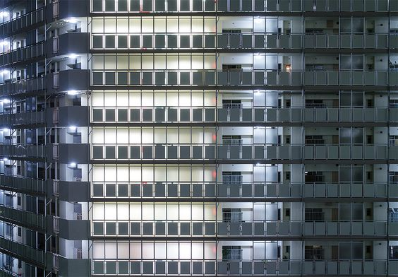 https://flic.kr/p/gBPySp | shine | 光が丘3丁目アパートです。団地の見どころはやはり通路側だと思うのですが、いかがでしょうか? Hikarigaoka 3choume Apartment in Tokyo. Panasonic GX1 + ZUIKO DIGITAL 14-54mm F2.8-3.5