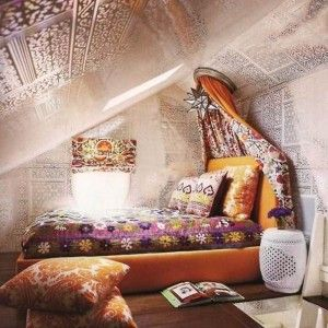 Boho canopy beds and small attic bedrooms on pinterest for Teenage girl attic bedroom ideas