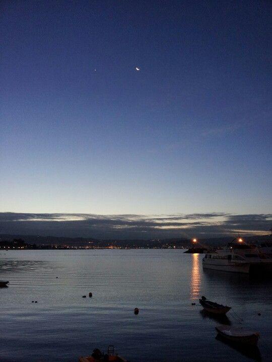 Venus y la luna en un amanecer Cangues