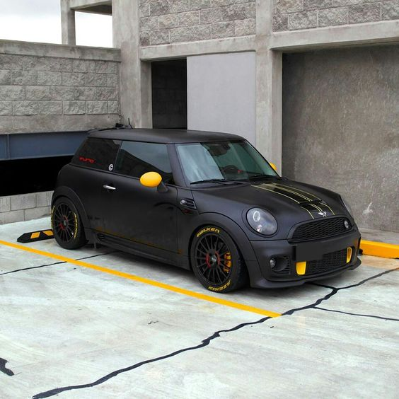 """If I could fit in these I would totally drive one like this haha. Supersturismo GT 17"""" on Mini Cooper S JCW"""
