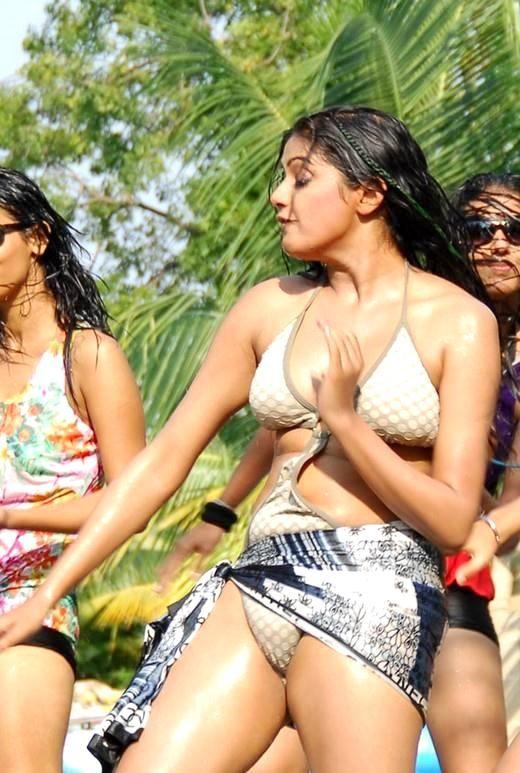 Hd Priyamani Hot Sexy Naked Bold Images