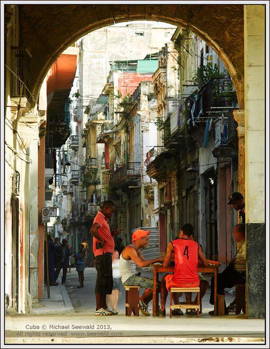 Card game . Havana, Cuba