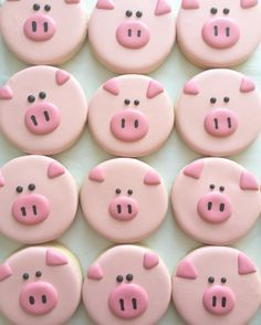 Pig decorated sugar cookies | cute food idea for a pig, farm, animal, or farmer themed party idea