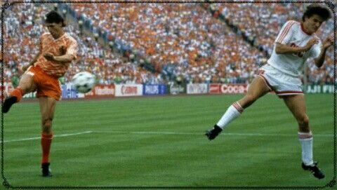 Holland 2 USSR 0 in 1988 in Munich. Marco Van Basten hit a brilliant goal to give Holland the European Championship.