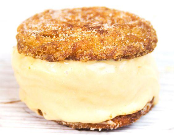 Sanduíche de Churros com Sorvete de Doce de Leite por http://pratofundo.com