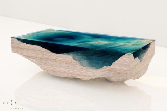 Designer Tisch Aus Glas Und Holz Erinnert An Die Tiefe Des Ozeans | Firma |  Pinterest | Designer Tisch, Tisch Und Blau