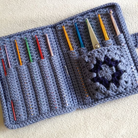 Ravelry: Project Gallery for Aluminum Crochet Hook Case pattern by Priscilla Hewitt                                                                                                                                                      More