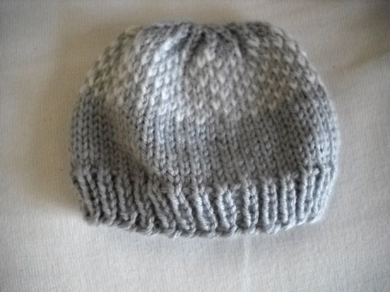 FREE Pattern: Knit Newborn Hat Knitting for Babies - Hats and Booties Pin...