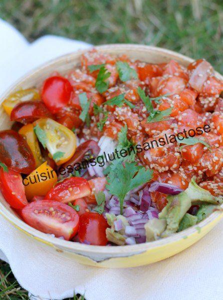 SANS GLUTEN SANS LACTOSE : Recette typiquement hawaïenne : le poke bowl à base de saumon cru extra frais mariné dans une huile de sésame et de sauce soja
