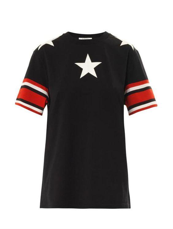 Pin for Later: Amerikanischer Patriotismus sah noch nie besser aus Givenchy Stars and Stripes T-Shirt Givenchy Stars and stripes-print T-shirt ($644)