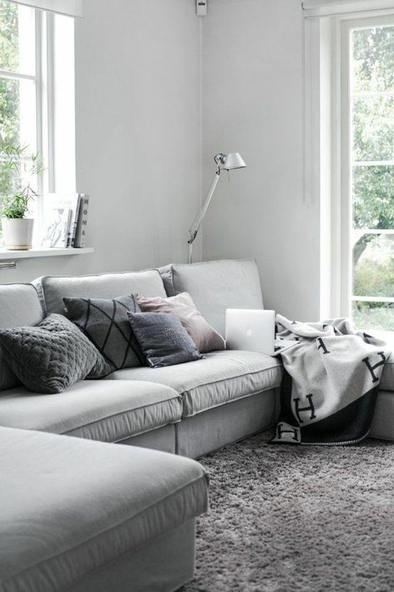 coussin canape acheter un coussin 60x60 gris pour le canapé gris