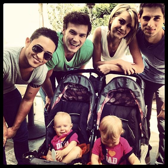 Baby Daddy cast with the twins
