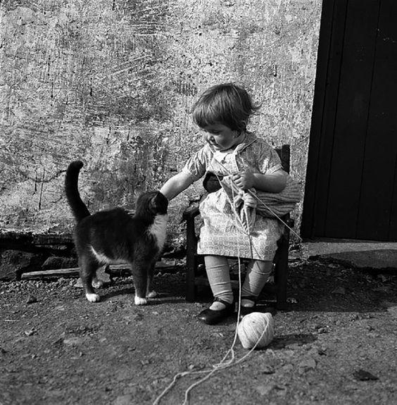 Little-Girl-w-Belt.jpg 800×816 pixels