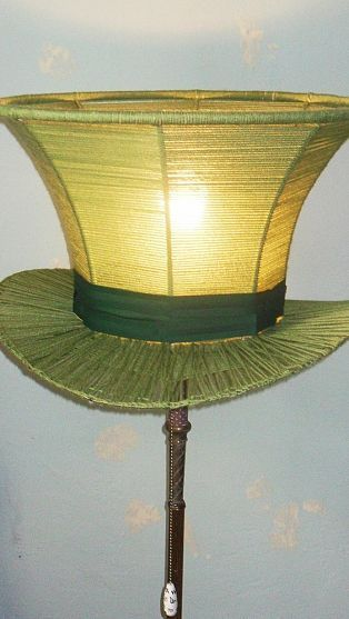 Ordinary lamp shade given an Alice in Wonderland twist - Mad Hatter lamp   Love this!!: