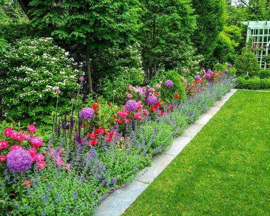 Appealing traditional landscape bluestone garden edging - Garden border shape ideas ...