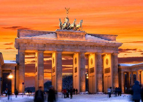 Berlin In 2020 Berlin Schloss Charlottenburg Brandenburger Tor