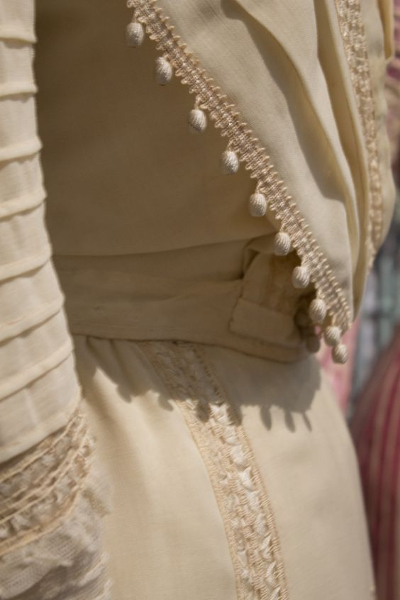 Gemeentemuseum the Hague exhibition on 19th century fashion - Edwardian Dress bodice detail.
