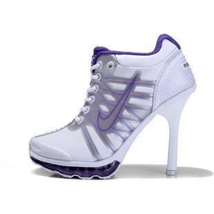 nike high heel sneaker