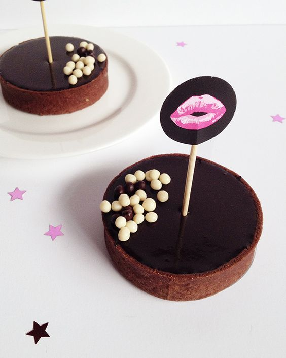toppers inspiración besos // kiss cake toppers