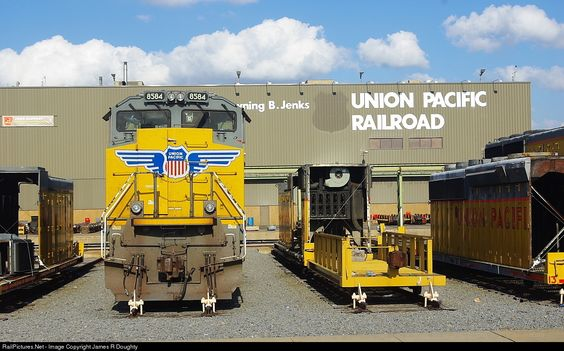 UP 8584 Union Pacific EMD SD70ACe at Little Rock, Arkansas by James R Doughty