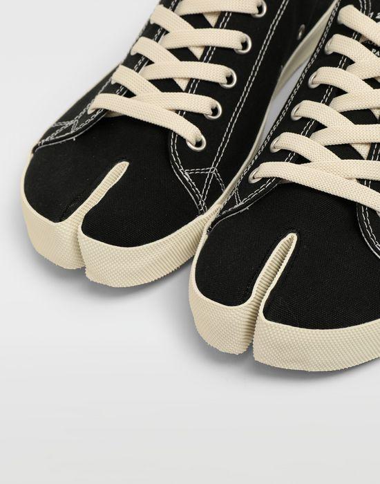 Maison Margiela Tabi Low Top Sneakers    Men