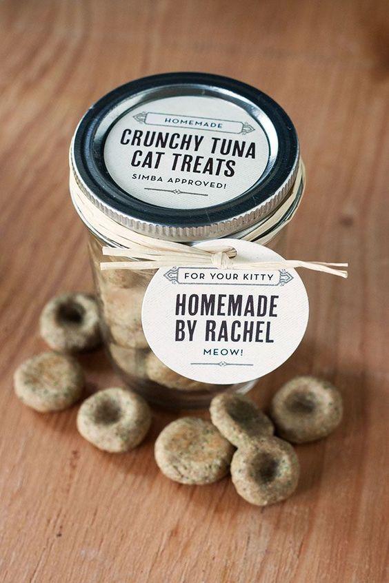 Homemade Crunchy Tuna Cat Treats | Evermine Blog | www.evermine.com