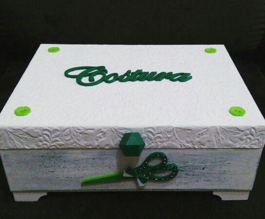 Caixa de costura luxuosa. Branco e verde. Poá interno. Artesanato. Decoração #charmoso #brigidmix