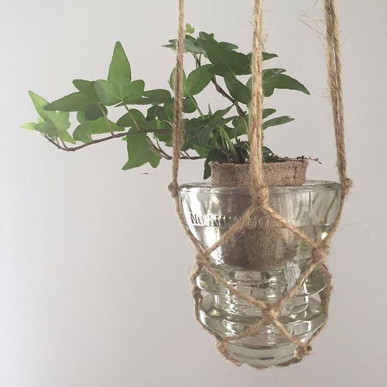 Suspension à plante recyclée en macramé DIY