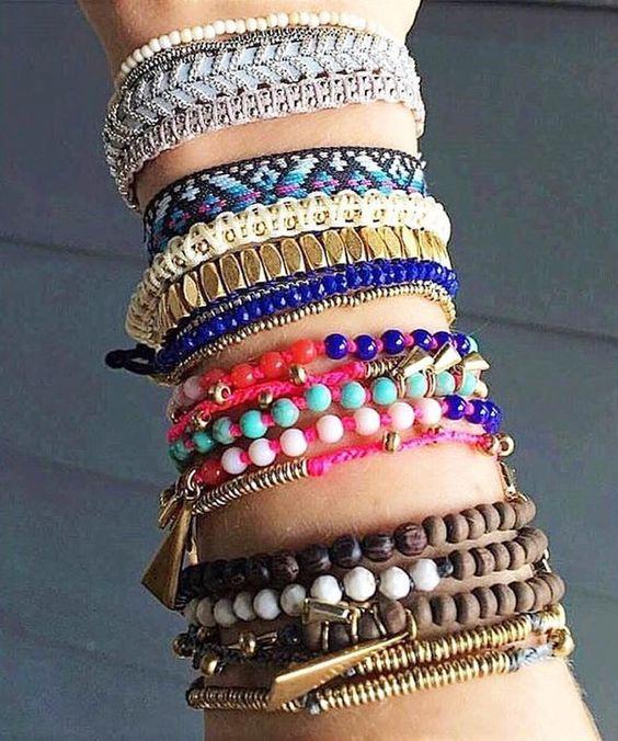 #Repost @stelladotfr  Quand on arrive pas à se décider avec les bracelets de la nouvelle collection Été...  Via : @andreaandjohn_lorenson  Sur mon e-shop  http://ift.tt/1P5gAbZ  http://ift.tt/1lmkJx3  #stelladot#stelladotfr #stellaanddot #stelladotstyle#bijou #bracelet #instasmile #instamode #mode#fashion#stelladotstylist#vdi#stelladotfrance #bijoux#accessoires#mode