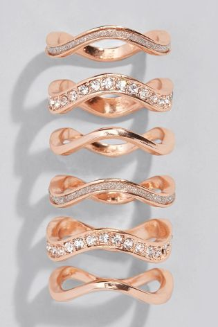 This stackable rose gold ring pack is the perfect way to add a bit of sparkle…