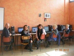 GIVIS e ISF contro il Digital Divide a Saronno  http://www.informaticisenzafrontiere.org/2012/02/givis-e-isf-contro-il-digital-divide-a-saronno-va/