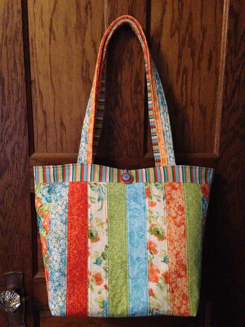 Jelly Roll Tote Bag- Love those precuts!                                                                                                                                                      More