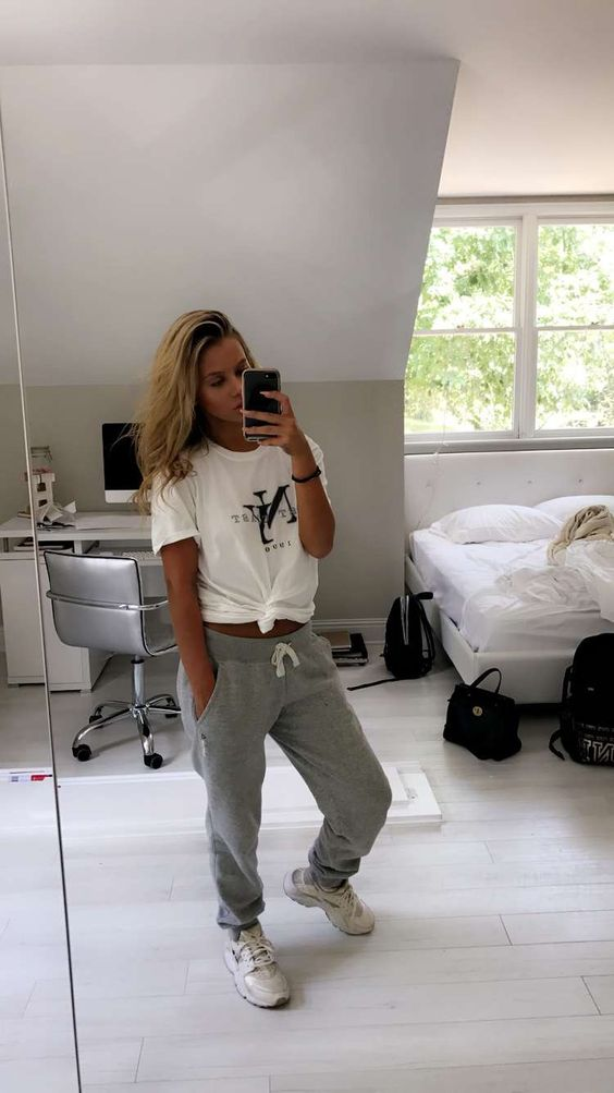 Cute comfortable outfit with graphic tee and grey sweatpants with huaraches
