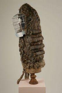 marie antoinette in the round sculpture oiseaux douleur au cou et style de coiffure. Black Bedroom Furniture Sets. Home Design Ideas